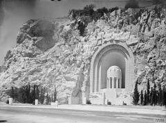 Monument aux morts de la guerre de 1914 - 1918 - English: War Memorials After the First World War  War Memorial at Nice, Alpes Maritimes.