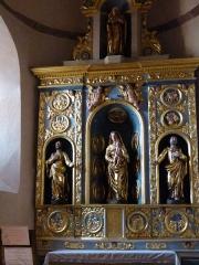 Eglise paroissiale Saint-Blaise -  Retable de la vierge à l'enfant situé dans l'absidiole d'un bas-côté de l'église Saint-Blaise à Clairvaux d'Aveyron