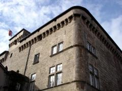 Château de Saint-Beauzély, actuellement musée d'art et de tradition populaire -  Le château-musée de Saint Beauzély