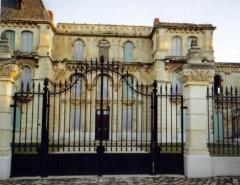 Château de La Buzine -  Le château de la Buzine, façade nord, avant les travaux de restauration.