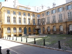 Immeubles formant la place d'Albertas - Nederlands: Aix-en-Provence