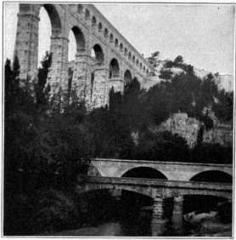 Aqueduc de Roquefavour (également sur commune d'Aix-en-Provence) - English: Aqueduct of Roquefavour, Marseilles. Early nineteenth century. Illustration from 1911 Encyclopædia Britannica, article Aqueduct.