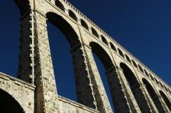 Aqueduc de Roquefavour (également sur commune d'Aix-en-Provence) -  L'aqueduc de Roquefavour à Ventabren, Provence, France