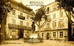 Monument à Frédéric Mistral - Français:   Place du Forum à Arles
