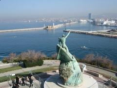 Monument aux héros de la mer, jardin Emile-Duclaux, esplanade Napoléon III, jardin du Pharo -  Le Port
