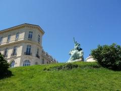 Monument aux héros de la mer, jardin Emile-Duclaux, esplanade Napoléon III, jardin du Pharo -  Palais des congrès du Pharo, Marseille