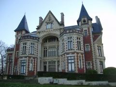 Château de Beuzeval (également sur commune de Gonneville-sur-Mer) -  Manoir de Beuzeval, Houlgate, new year 2009.
