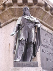 Statue de Guillaume le Conquérant - English: Photo of Rollon statue depicted among the 6 dukes of Normandy in the town square of Falaise