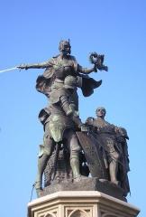 Groupe sculpté de la bataille de Formigny - Formigny (Normandie, France). Monument commémoratif de la bataille de Normandie, par Arthur Leduc (1848-1918).