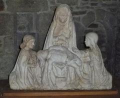 Eglise Saint-Blaise et Saint-Martin - Français:   Piétà par Ligier Vigier (XVIième siècle); l\'église de Saint-Martin et Saint-Blaise, département du Cantal, en région Auvergne-Rhône-Alpes, France