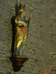 Eglise Saint-Blaise et Saint-Martin - Français:   Statue du saint Martin, patron de léglise, provenant de l\'ancien rétable de 1683 (?); l\'église de Saint-Martin et Saint-Blaise, département du Cantal, en région Auvergne-Rhône-Alpes, France