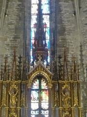 Eglise Saint-Blaise et Saint-Martin - Français:   Pinnacle du maître-autel du sculpteur chaudesaiguois Jean-Baptiste Roche (1832-1896); l\'église de Saint-Martin et Saint-Blaise, département du Cantal, en région Auvergne-Rhône-Alpes, France