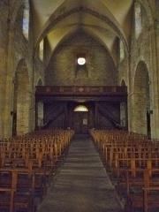 Eglise Saint-Blaise et Saint-Martin - Français:   Nef de l\'église de Saint-Martin et Saint-Blaise, département du Cantal, en région Auvergne-Rhône-Alpes, France