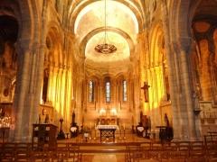 Eglise Saint-Martial - Français:   Angoulême: vue intérieure de l\'église Saint-Martial (néoroman XIXème siècle)
