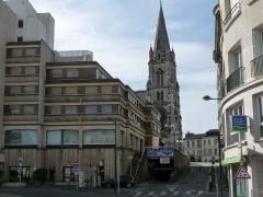 Eglise Saint-Martial - Français:   Eglise et centre St-Martial vus de la rampe d\'Aguesseau, Angoulême, France