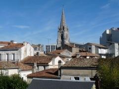 Eglise Saint-Martial - Français:   Quartier Saint-Martial vu du bout de l\'impasse d\'Austerlitz, Angoulême, France