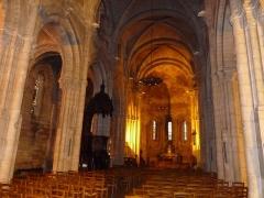 Eglise Saint-Martial - Français:   intérieur de l\'église St-Martial, Angoulême, France