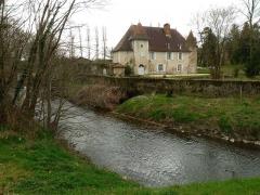 Château de Chambes - Français:   château de Chambes et la Charente, Roumazières-Loubert, Charente, France