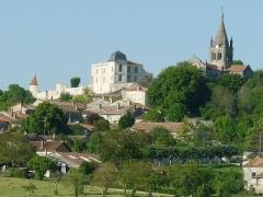 Eglise Saint-Romain - English:   view of Villebois-Lavalette, Charente, SW France