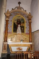Ancien temple protestant, aujourd'hui église catholique Saint-Martin - Français:   Autel latéral dans l\'église Saint Martin de Pons (Charente-Maritime, France), avec statue de St Roch classée M.H..