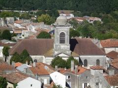 Ancien temple protestant, aujourd'hui église catholique Saint-Martin - Français:   L\'église Saint-Martin de Pons