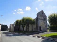 Eglise Notre-Dame de l'Assomption - Deutsch: Die katholische Pfarrkirche Notre-Dame-de-l'Assomption in Neulles