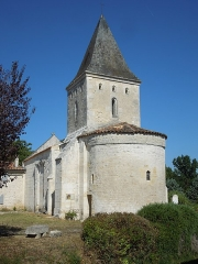 Eglise Saint-Pierre d'Antignac - English: Antignac, village church, seen from the East