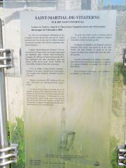 Eglise Saint-Martial - English: Saint-Martial-de-Vitaterne: Information board about the church