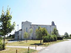 Eglise Saint-Martial - English: Saint-Martial-de-Vitaterne, village church seen from the northeast