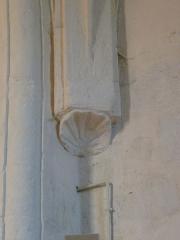 Eglise Saint-Pallais - Français:   Coquille St-Jacques (transept gauche), église de Saint-Palais-de-Négrignac, Charente-Maritime, France