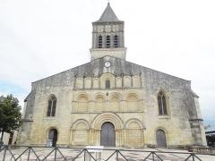 Eglise paroissiale Saint-Gervais et Saint-Protais - English:   Jonzac, Église Saint-Gervais-et-Saint-Protais, west facade