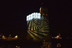 Slip way - Illumination de la Tour Saint-Nicolas et figures lumineuses projetées sur la tour. Fêtes de fin d'année 2016. La Rochelle, Charente-Maritime, France.