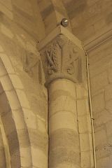 Eglise Saint-Pierre - Deutsch: Katholische Kirche Saint-Pierre in Soubise im Département Charente-Maritime (Nouvelle-Aquitaine/Frankreich), romanisches Kapitell