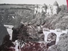 Eglise paroissiale Saint-Martial - Culan (Cher, France) - Le château et le pont dynamité.