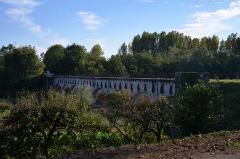 Ouvrages du canal de Berry - Français:   Vue du Pont Canal de La Tranchasse, permettant au Canal de Berry de franchir le Cher sur les communes d\'Ainay-le-Vieil et Colombiers (Cher)