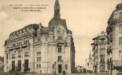 Hôtel des Postes - Français:   Carte postale ancienne n°35: DIJON - Place Grangier