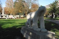 Réservoir Darcy et jardin Darcy, y compris ses clôtures et la fontaine de la Jeunesse - Vue de Dijon.