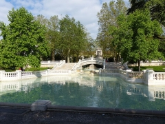 Réservoir Darcy et jardin Darcy, y compris ses clôtures et la fontaine de la Jeunesse - English: Taken on the 17th of May, 2016. Jardin Darcy, Dijon, France.