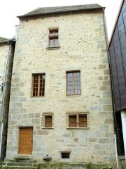 Maison - Français:   Felletin - Maison 3 rue Détournée - Côté rue