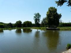 Canal de Lalinde (bassin de stationnement, y compris sa cale pavée) - Français:   Le bassin de stationnement du canal de Lalinde, Saint-Capraise-de-Lalinde, Dordogne, France.