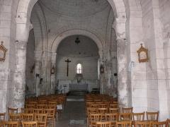 Eglise Saint-Méard - Français:   La nef de l\'église Saint-Méard, Saint-Méard-de-Drône, Dordogne, France.