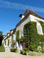 Château de Pouthet - Français:   L\'angle sud-est du château de Pouthet, Eymet, Dordogne, France.