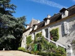 Château de Pouthet - Français:   La façade sud et son escalier double, château de Pouthet, Eymet, Dordogne, France.