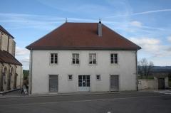 Presbytère de Remoray - Français:   Facade du presbytère de Remoray-Boujeons.