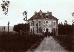 Observatoire - English: The director house of the Observatory of Besançon (Doubs, France), in 1900.