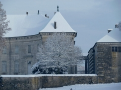 Château de Moncley - This building is indexed in the base Mérimée, a database of architectural heritage maintained by the French Ministry of Culture,under the reference PA00101672 .