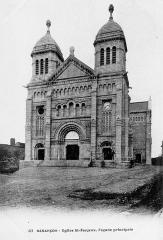 Basilique Saint-Ferréol et Saint-Ferjeux - English: The Basilique Saint-Ferjeux of Besançon (Doubs, France) (1900's)