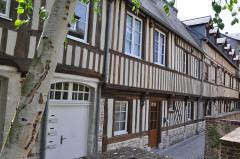 Immeuble à logements de la cour Canel - English:   Pont-Audemer (France, Normandy), timberframing