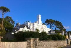 Ancienne villa Magdalena ou Kermadalen, puis villa le Minaret, actuellement Hôtel le Minaret - Français:   L\'Alhambra, célèbre hôtel-restaurant à Bénodet dans le Finistère.