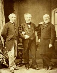 Ancien pavillon de chasse de Moniven - Français:   Portrait des trois frères de Kerjegu: de gauche à droite, Louis, François et Jules de Kerjegu (originaires de Moncontour (Côtes-du-Nord), les deux premiers achètent les terres de Trévarez en 1845)